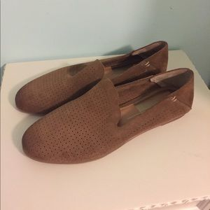New Dolce Vita Audra perforated suede loafers 9.5
